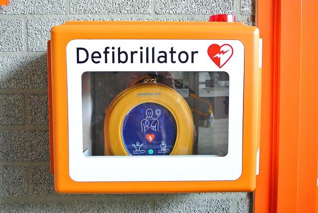 Serce a defibrylator AED